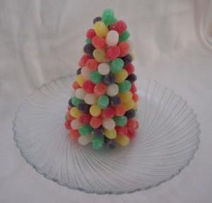 Árvore de Natal feita com jujubas