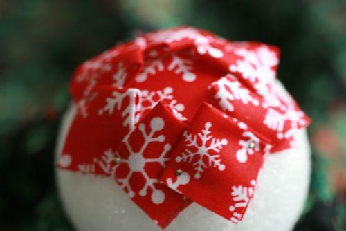 Pinhas de Natal feitas com retalhos de tecido 10