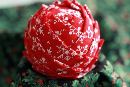 Pinhas de Natal feitas com retalhos de tecido 13