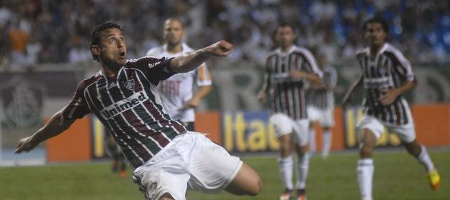 Fred, do Fluminense, em ação na estreia da Libertadores