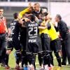 Jogadores do Corinthians comemoram o 1 a 0 na Vila Belmiro